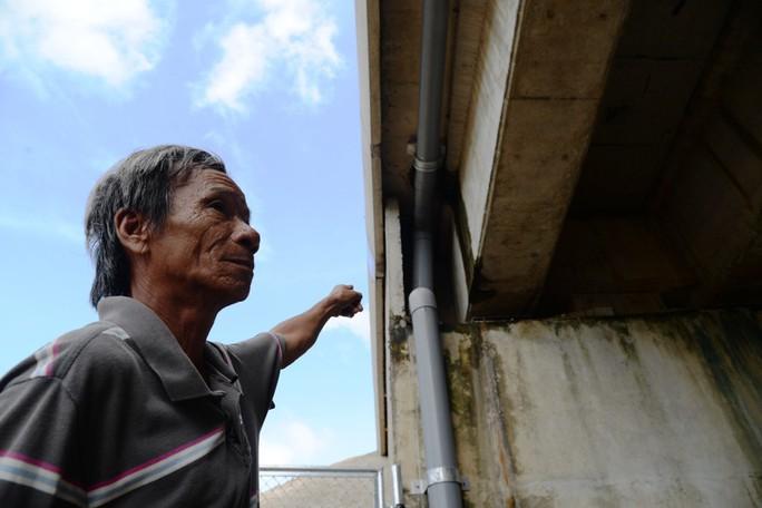 Sửa chữa 2 cầu bị thấm nước mưa trên đường cao tốc Đà Nẵng – Quảng Ngãi - Ảnh 2.