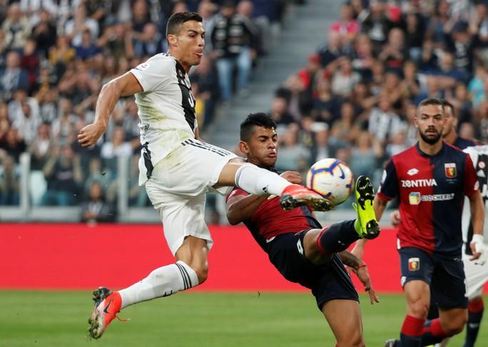 Ronaldo trở về đấu với M.U - Ảnh 1.