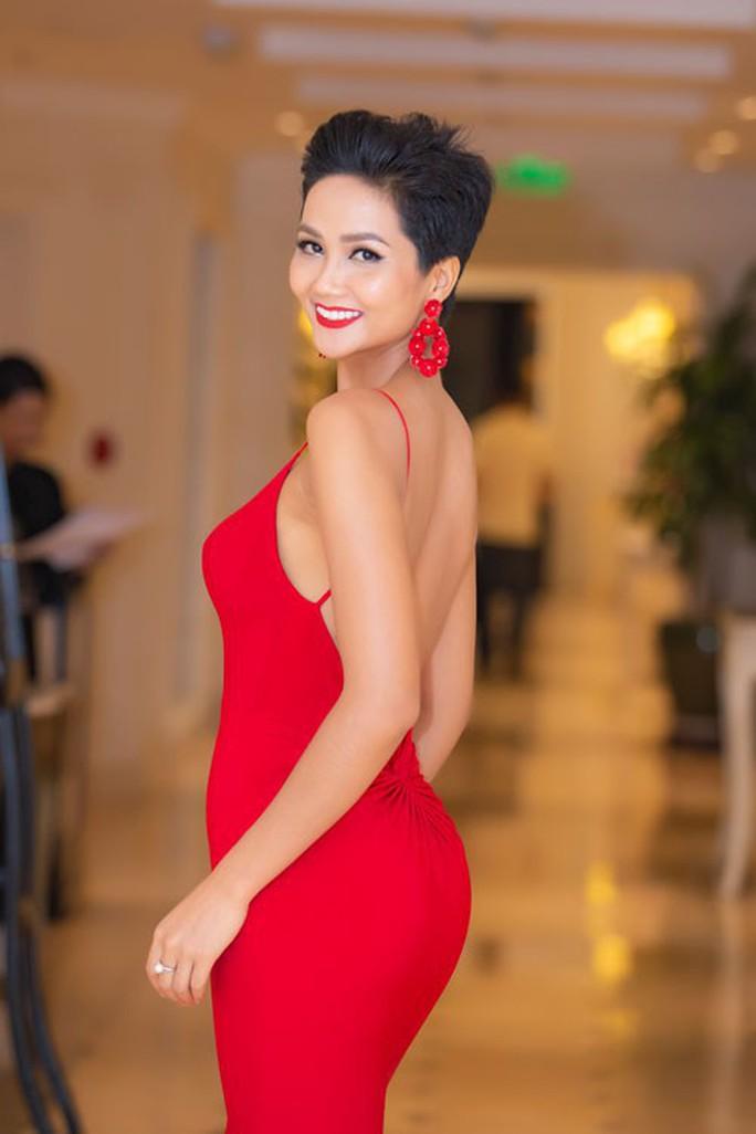 Hoa hậu HHen Niê: Chưa thấy có ai nhắn tin tế nhị làm quen - Ảnh 1.