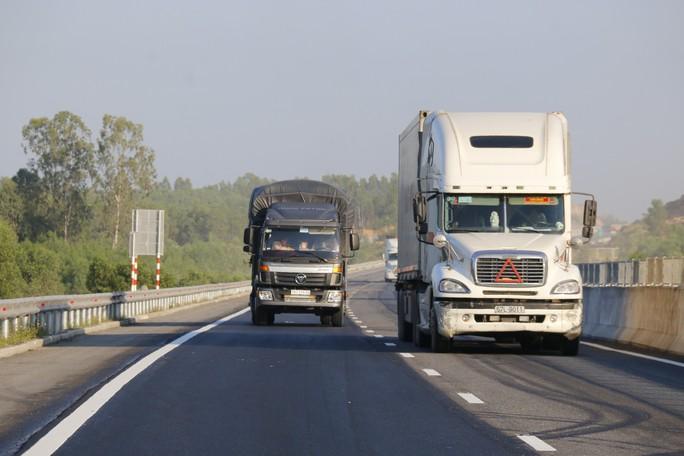 Tổ kiểm tra Bộ GTVT: Vá đường cao tốc 34.500 tỉ cơ bản đúng thiết kế - Ảnh 1.