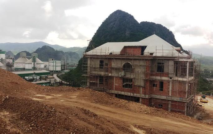 """Công trình """"khủng"""" không phép """"mọc"""" giữa Khu Kinh tế Nghi Sơn - Ảnh 2."""