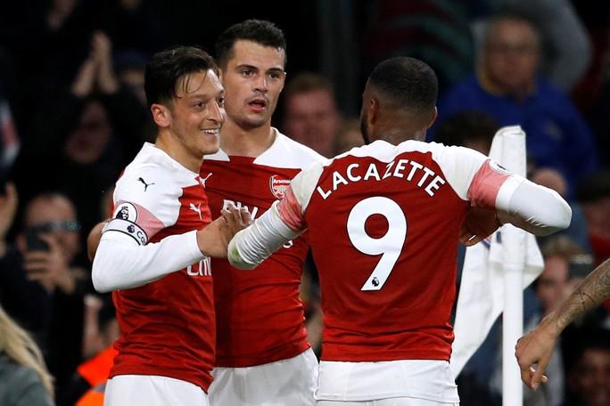 Lập cú đúp trong 3 phút, Aubameyang giúp Arsenal hạ cựu vô địch - Ảnh 7.