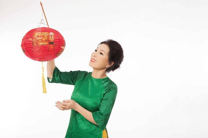 NSƯT Kim Xuân: Về đến nhà, sự nổi tiếng của tôi là xa xỉ - Ảnh 3.