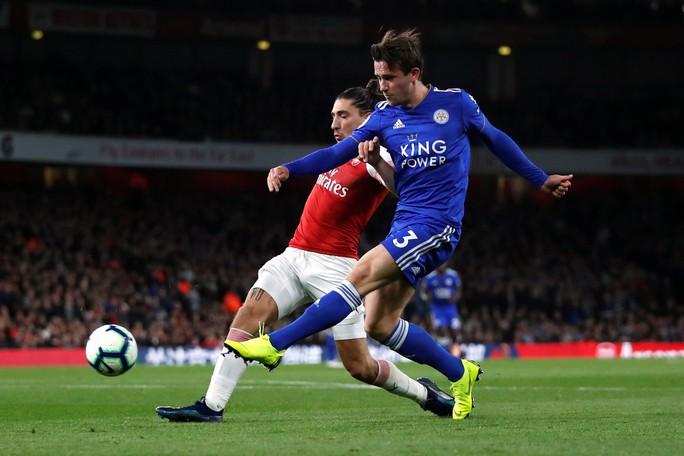 Lập cú đúp trong 3 phút, Aubameyang giúp Arsenal hạ cựu vô địch - Ảnh 3.