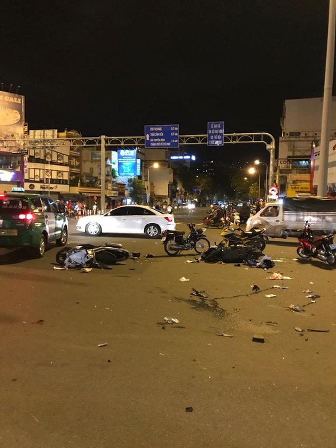 Nữ tài xế BMW đã tự mình hại mình - Ảnh 2.