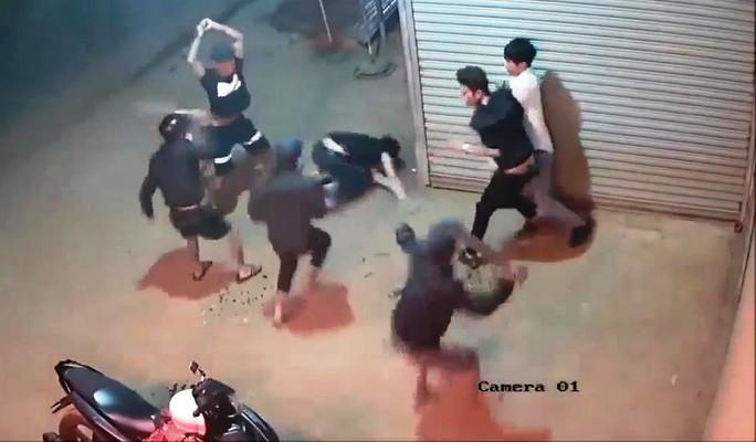 Sự thật bất ngờ vụ chém nhau kinh hoàng ở Lâm Đồng - Ảnh 2.
