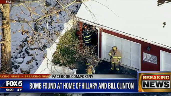 Bom được tìm thấy tại văn phòng của ông Obama và nhà bà Clinton - Ảnh 1.
