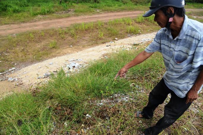 Ta luy sạt lở, bê tông vỡ vụn trên đường cao tốc Đà Nẵng – Quảng Ngãi - Ảnh 5.