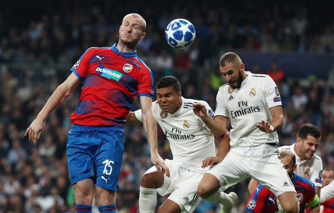 Thoát hiểm ở Bernabeu, sao Real Madrid giữ ghế HLV Lopetegui - Ảnh 3.