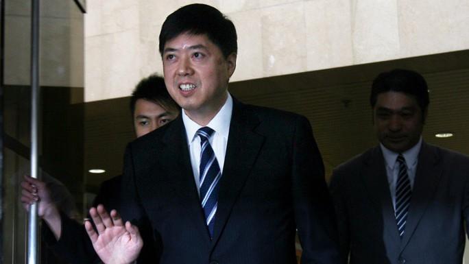 Doanh nhân Hồng Kông chết khi thẩm vấn, quan Trung Quốc lãnh án bất thường - Ảnh 1.