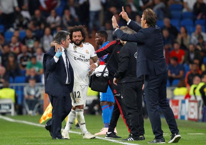 Thoát hiểm ở Bernabeu, sao Real Madrid giữ ghế HLV Lopetegui - Ảnh 5.