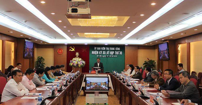 Ủy ban Kiểm tra Trung ương xem xét kỷ luật 2 trung tướng, 3 thiếu tướng công an - Ảnh 1.