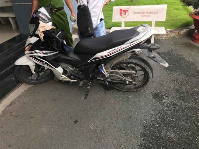 Thiếu niên sát hại sinh viên chạy GrabBike vì mê xe tay côn - Ảnh 2.