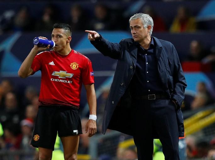 Sanchez cầu cứu PSG để thoát khỏi Old Trafford - Ảnh 2.