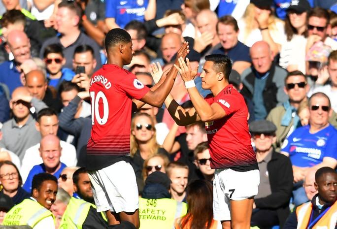 Sanchez cầu cứu PSG để thoát khỏi Old Trafford - Ảnh 1.