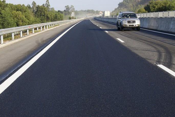 Đường cao tốc Đà Nẵng - Quảng Ngãi thu phí trở lại từ ngày 27-10 - Ảnh 1.