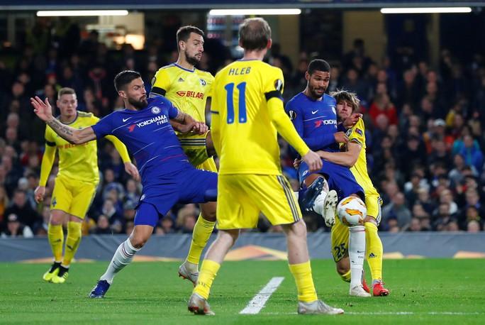 Sao lạ Loftus-Cheek lập hat-trick, Chelsea bay cao ở London - Ảnh 4.