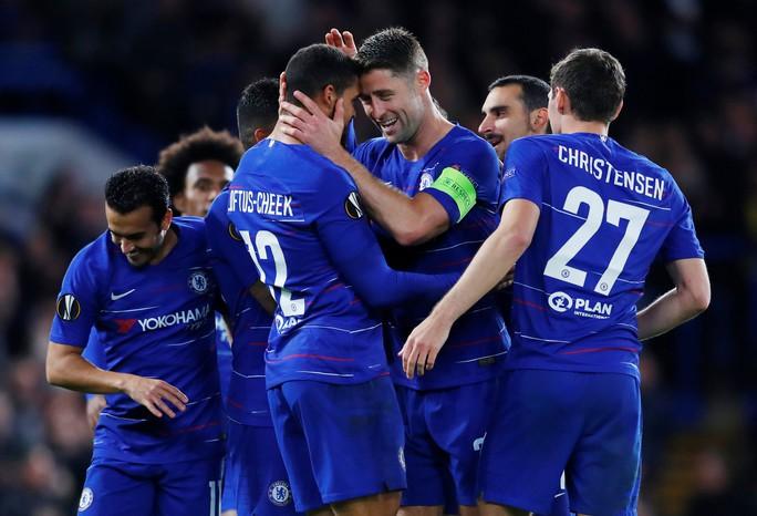 Sao lạ Loftus-Cheek lập hat-trick, Chelsea bay cao ở London - Ảnh 5.