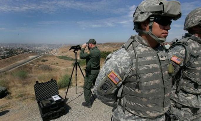 Mỹ đưa 1.000 binh sĩ đến biên giới Mexico? - Ảnh 1.