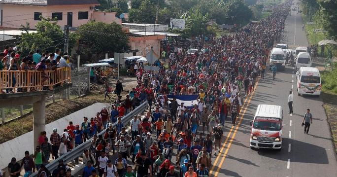 Mỹ đưa 1.000 binh sĩ đến biên giới Mexico? - Ảnh 2.