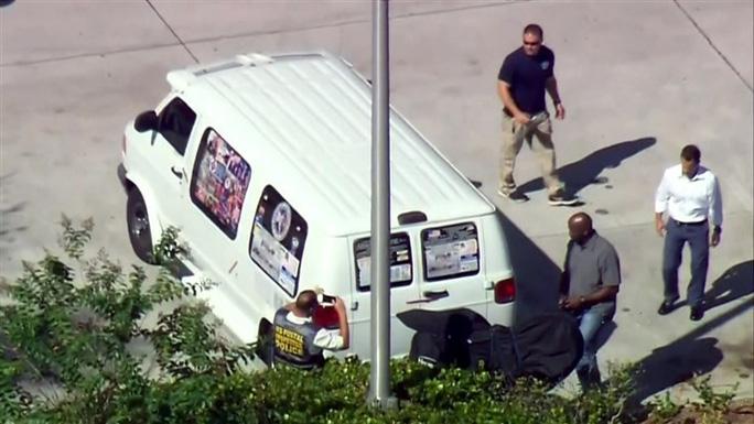 Mỹ: Một nghi can gửi bom thư bị bắt - Ảnh 3.