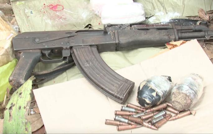 Đấu súng với nhóm buôn ma túy có AK và lựu đạn, tiêu diệt 1 đối tượng - Ảnh 1.