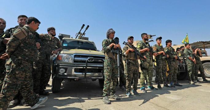Thổ Nhĩ Kỳ nã pháo vào người Kurd ở Syria - Ảnh 1.