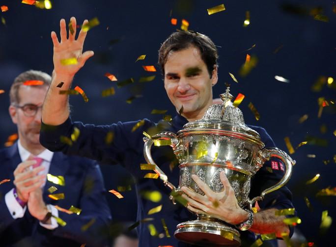 Federer: Từ cậu bé nhặt bóng thành huyền thoại sống quần vợt thế giới - Ảnh 3.