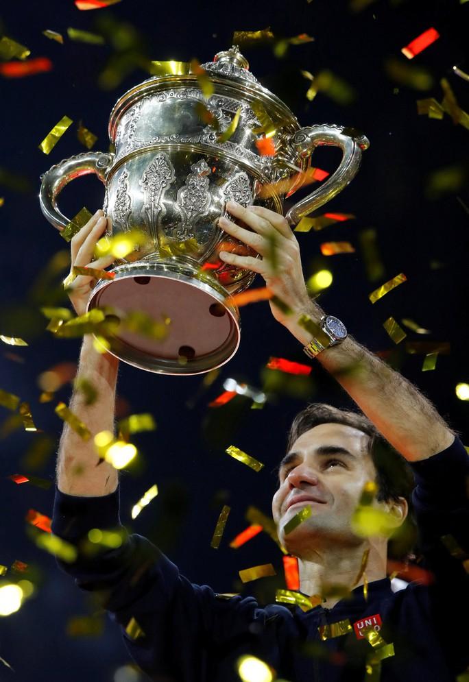 Federer: Từ cậu bé nhặt bóng thành huyền thoại sống quần vợt thế giới - Ảnh 7.