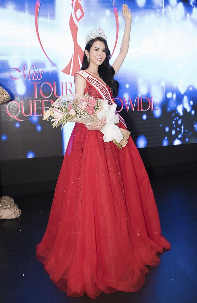 Người đẹp Đồng Tháp đăng quang Hoa hậu Du lịch Thế giới 2018 - Ảnh 1.