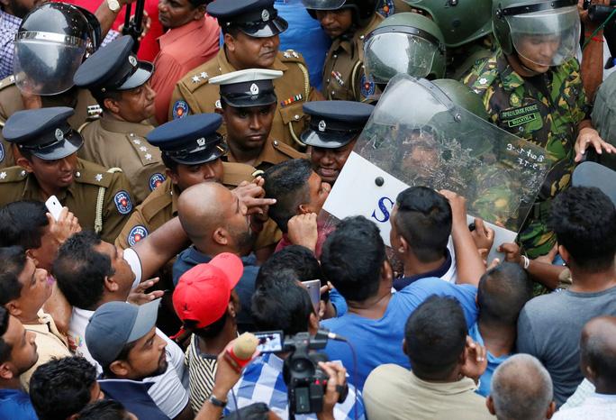 Khủng hoảng ở Sri Lanka đậm bóng Trung Quốc - Ảnh 2.