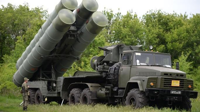 Mỹ chỉ trích màn nã tên lửa của Iran ở Syria - Ảnh 4.