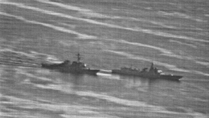 Lộ ảnh tàu Trung Quốc vượt đầu tàu Mỹ trên biển Đông - Ảnh 3.