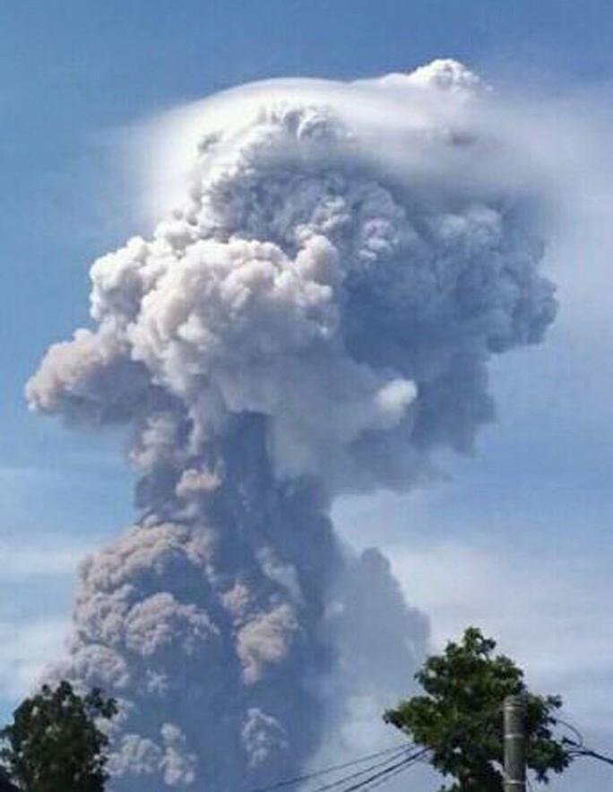 Đảo Sulawesi: Núi lửa thức giấc sau thảm họa động đất, sóng thần - Ảnh 3.