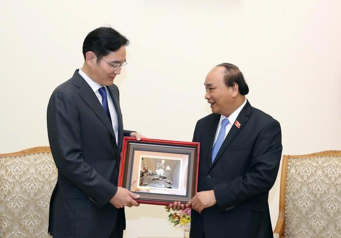 Muốn Samsung mở rộng đầu tư tại Việt Nam - Ảnh 1.