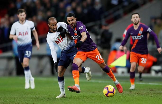 Cựu công thần Leicester toả sáng, Man City đòi lại ngôi đầu Ngoại hạng - Ảnh 3.
