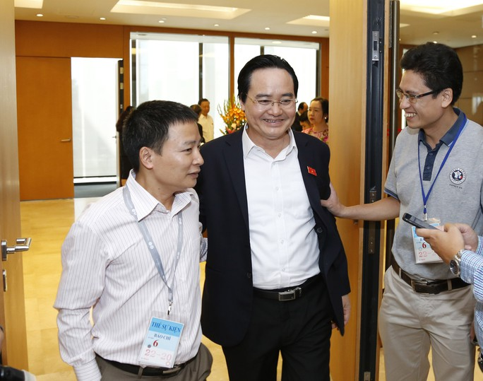 Bộ trưởng Phùng Xuân Nhạ nói về quy định đuổi học học sinh - sinh viên bán dâm 4 lần - Ảnh 1.
