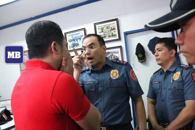 Cảnh sát Philippines bị tố cưỡng hiếp con gái nghi phạm ma túy - Ảnh 1.
