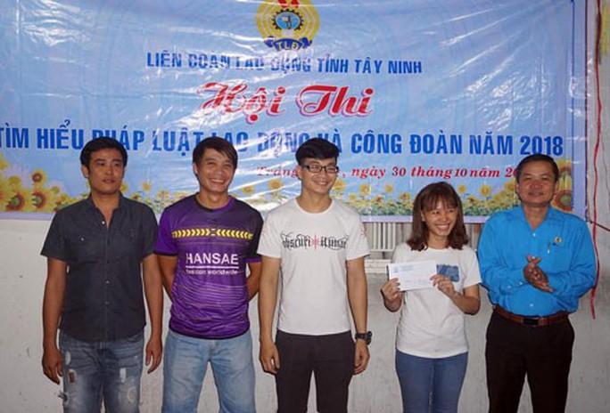Tây Ninh: Công nhân nhà trọ thi tìm hiểu pháp luật - Ảnh 1.