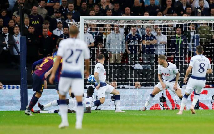 Messi nhảy tango tại Wembley, Tottenham thảm bại sân nhà - Ảnh 2.