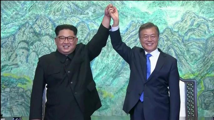 Bộ ba Kim - Moon - Trump: Ứng viên giải Nobel Hòa bình 2018 - Ảnh 1.