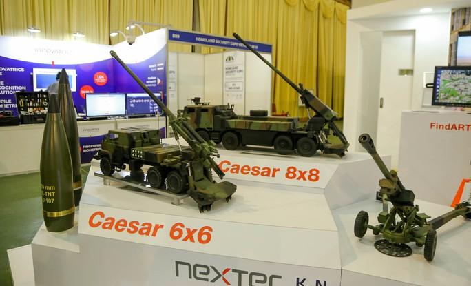 Tận tay cầm vũ khí tối tân trong triển lãm quốc tế về an ninh tại Hà Nội - Ảnh 7.