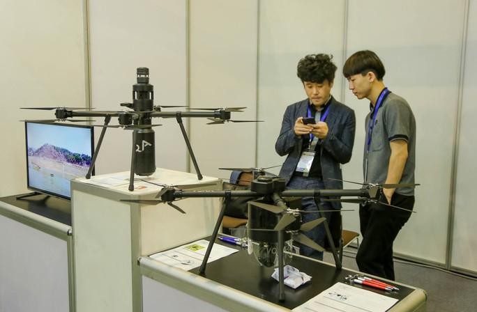 Tận tay cầm vũ khí tối tân trong triển lãm quốc tế về an ninh tại Hà Nội - Ảnh 6.