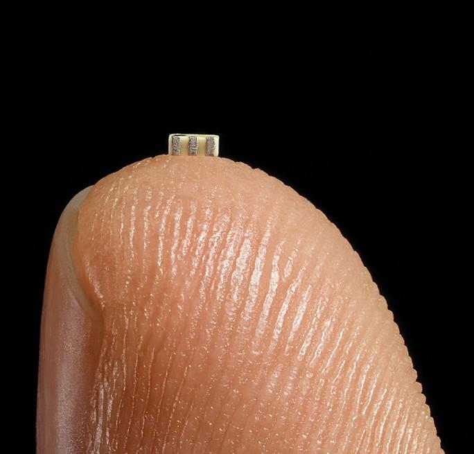 Trung Quốc dùng chip nhỏ bằng hạt gạo để xâm nhập các công ty Mỹ - Ảnh 2.
