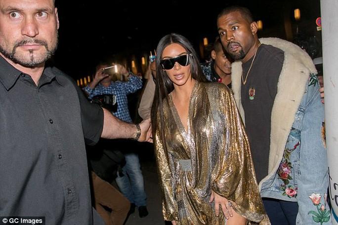 Vụ cướp tại nhà Kim Kardashian: Vệ sĩ bị kiện đòi 6,1 triệu USD - Ảnh 3.