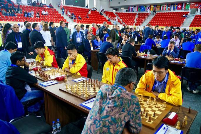 Cờ vua Việt Nam áp sát Top 10 Olympiad đồng đội thế giới - Ảnh 1.