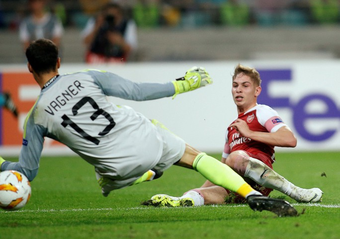 Đè bẹp Qarabag, Arsenal mở cửa thiên đường thứ 8 - Ảnh 3.