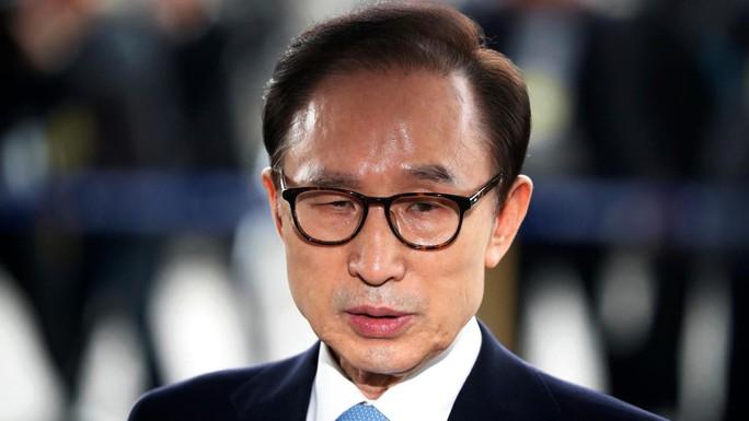 Thêm một cựu tổng thống Hàn Quốc trúng lời nguyền - Ảnh 1.