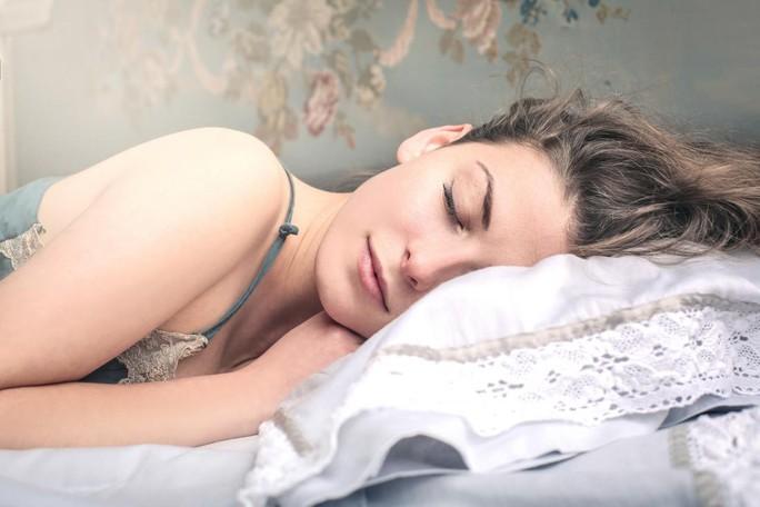Cách giảm cân hiệu quả chỉ nhờ… ngủ - Ảnh 1.