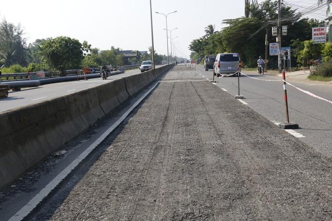 Cận cảnh vá víu quốc lộ ngàn tỉ ở Quảng Nam - Ảnh 5.